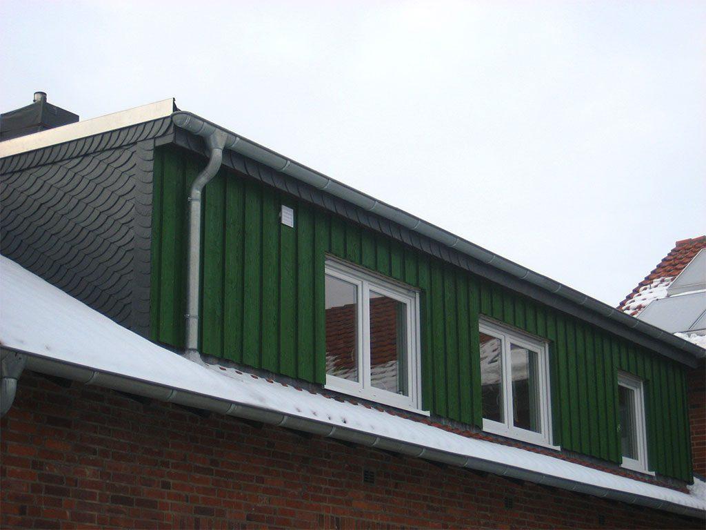 Dachgaube mit Holzbekleidung