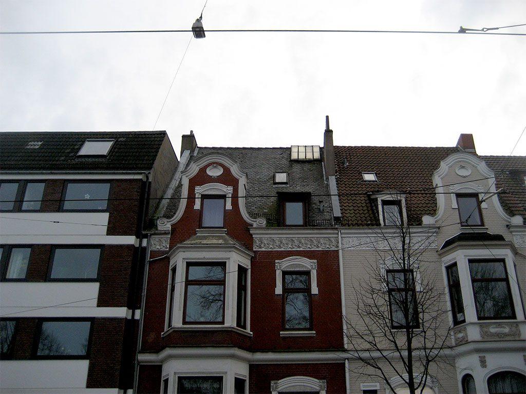 Schiferdachsanierung an historischem Mehrfamilienhaus