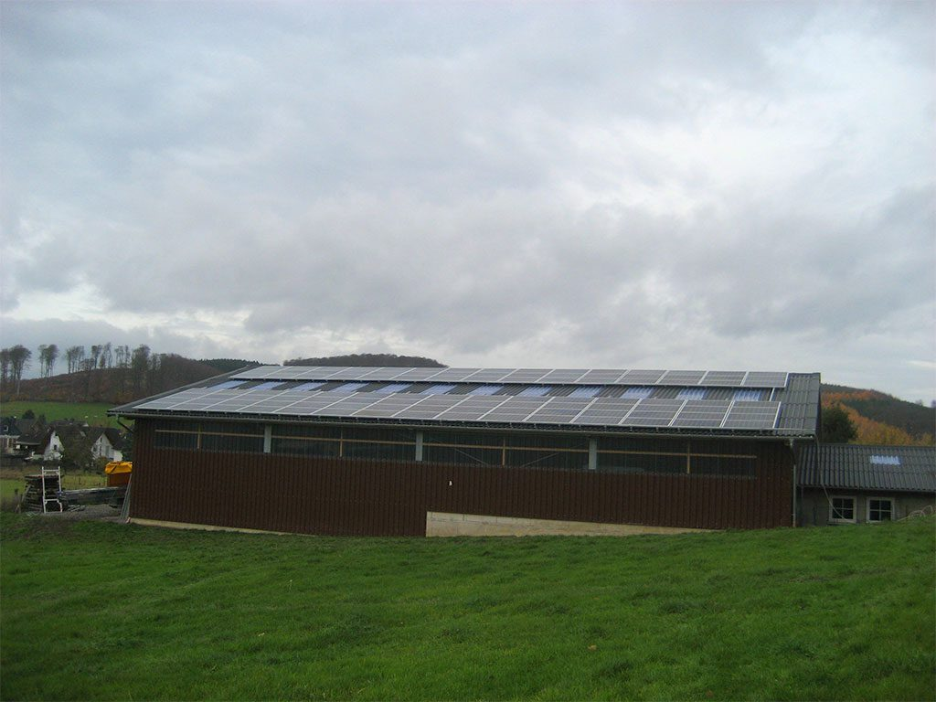 Scheune mit Photovoltaik